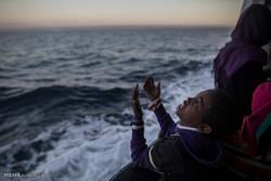 لیبیا کے ساحل کے قریب مہاجرین کی کشتی ڈوبنے سے 117 افراد لاپتا