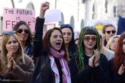 Amerikalı kadınlardan Trump karşıtı gösteriler