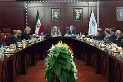 وزیر فرهنگ و ارشاد اسلامی در نشست وزیر اقتصاد و دارایی با اهالی فرهنگ