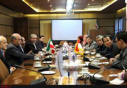 Indonesian journalists meet Iran's Deputy Culture Minister for Press Affairs Mohammad Soltanifar in Tehran on January 20, 2018. (ILNA)