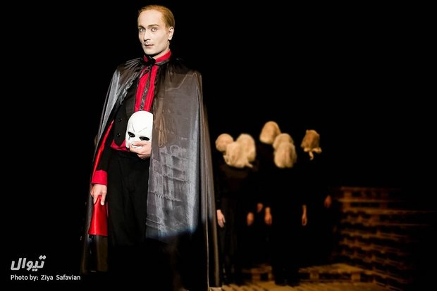 The dead and the damned: Delkhah's stellar staging of Mann's 'Mephisto' in Tehran