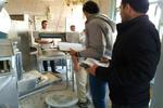 سهیمه آرد ۴۷ نانوایی متخلف در گلستان و نسیم شهر کسر شد