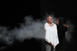 «هملت» در تئاتر شهر خون به پا کرد/ حضور معاون هنری در جشنواره