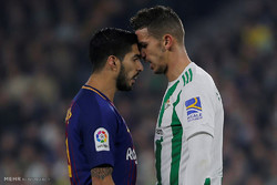 دیدار تیم های فوتبال رئال بتیس و بارسلونا