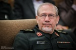 """اللواء صفوي يهنئ """"سلامي"""" بعد تعيينه قائدا عاما للحرس الثوري"""