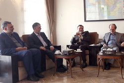 نشست وزیر ارشاد با رئیس موسسه فرهنگی اکو