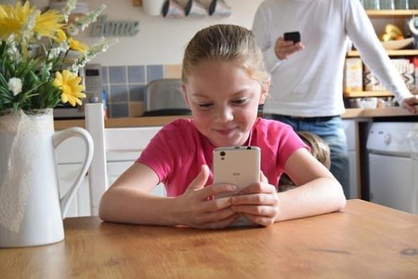 موبایل کودکان