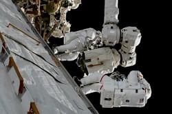 فضانوردان نشتی ایستگاه فضایی بین المللی را بررسی می کنند