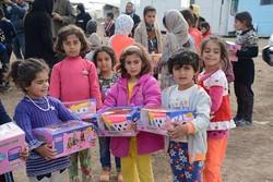 هدایای دفتر نشر فرهنگ اسلامی در مناطق زلزله زده غرب کشور توزیع شد