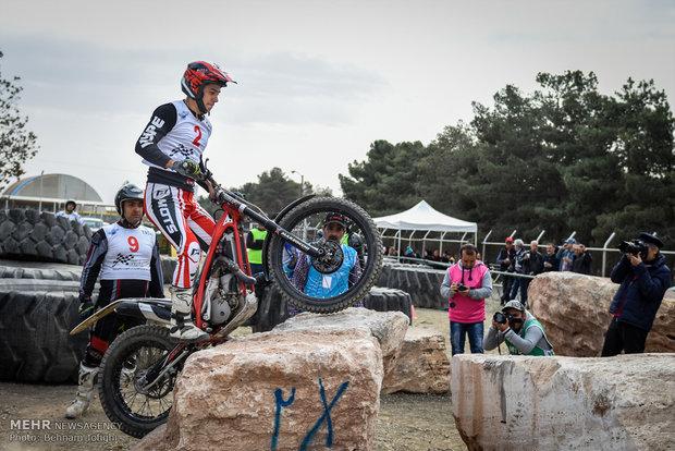 İran'daki motosiklet yarışlarından kareler