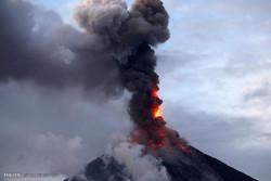 فلپائن میں آتش فشاں پھوٹ پڑا