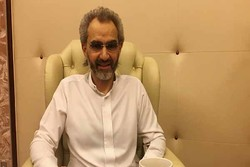 اولین تصاویر منتشر شده از ولید بن طلال در هتل ریتزکارلتون