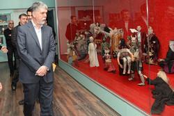 وزیر ارشاد به دیدن «اپرای عروسکی خیام» نشست/ چخوف به زبان گیلکی