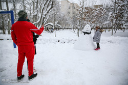 Snow boosts winter tourism in Tehran