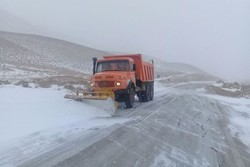 برف روب . جاده . بارش برف  - کراپشده