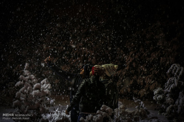 Tehran embraces first heavy winter snow