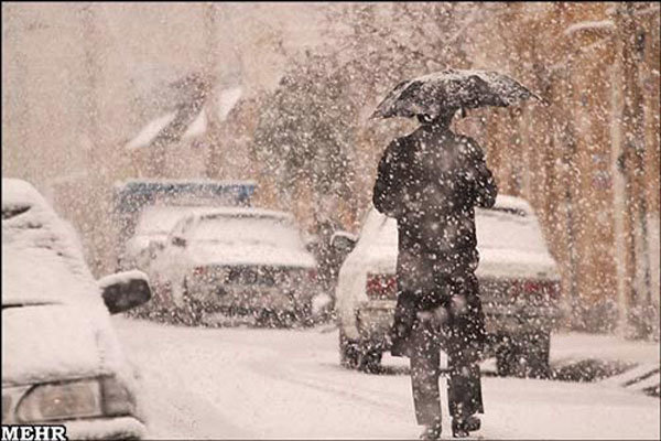 Kum kentinde yoğun kar yağışı