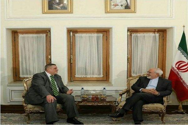 ظريف يستقبل ممثل الامين العام للامم المتحدة بالشأن العراقي