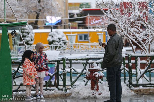تساقط الثلوج والأمطار بدينة قم المقدسة