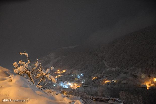 شب های برفی گردنه کوهستانی حیران آستارا