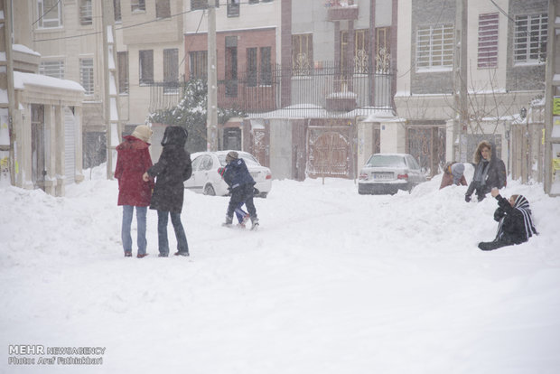 Heavy snow brings joy and headache to Shahriar