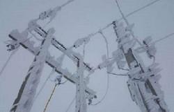 ۵۰ نقطه استان مرکزی بر اثر برف دچارقطع برق شد/ اعزام ۱۹اکیپ برای رفع مشکل
