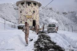 بازدید مسئولان آستارا از پاسگاه مرزی و برفگیر  ونه بین