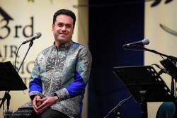 کیوان ساکت گروه «وزیری» را همراهی میکند/ اجرای وحید تاج