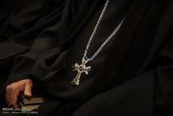 نصفجهان مهد ادیان توحیدی است/برپایی نمایشگاه نسخ خطی در اصفهان