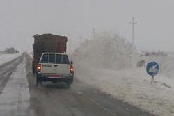 بارش برف در محورهای هراز و فیروزکوه/محورهای کوهستانی لغزنده است