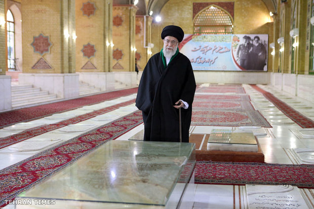 Ayatollah Khamenei visiting Mausoleum of Imam Khomeini and Martyrs of Revolution