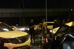تصادف زنجیرهای در اتوبان تهران-قم/ ۱۴ نفر مصدوم شدند
