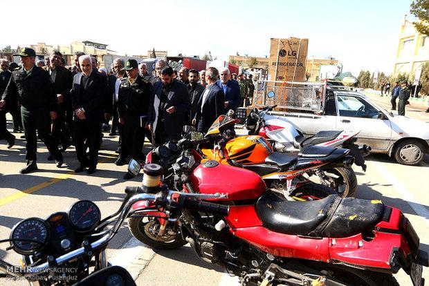 عرض البضائع المهربة في مدينة اصفهان