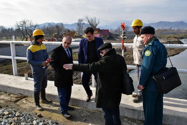 Iranian, Azerbaijani border guards visit rail bridge