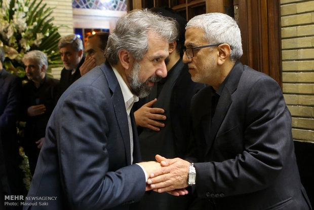 امیرخوراکیان در مراسم ترحیم زنده یاد رضا مقدسی فعال رسانه ای