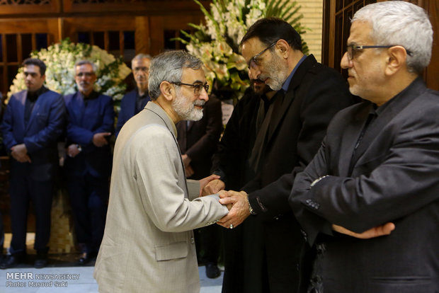 غلامحسین الهام در مراسم ترحیم زنده یاد رضا مقدسی فعال رسانه ای