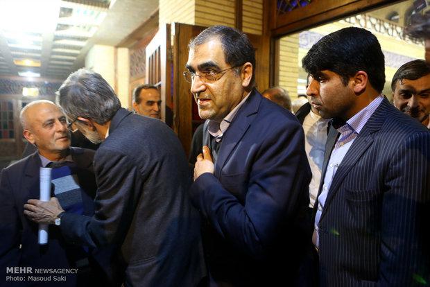 سید حسین قاضی زاده هاشمی وزیر بهداشت در مراسم ترحیم زنده یاد رضا مقدسی فعال رسانه ای