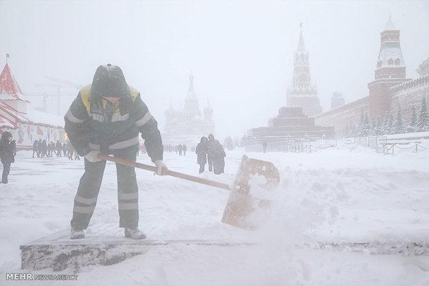 امریکہ کی مغربی ریاستوں میں شدید سردی کی وجہ سےاسکول و دفاتر بند