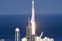 """إطلاق صاروخ """"فالكون الثقيل"""" / صور"""