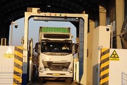 کاهش هزینه مالی و زمانی بازرسی با استفاده  از ایکسری کامیونی/ اسکنرها خطری برای رانندگان ندارد