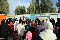 نصب چادرهای زلزلهزدگان کرمانشاه درکنار زبالهها