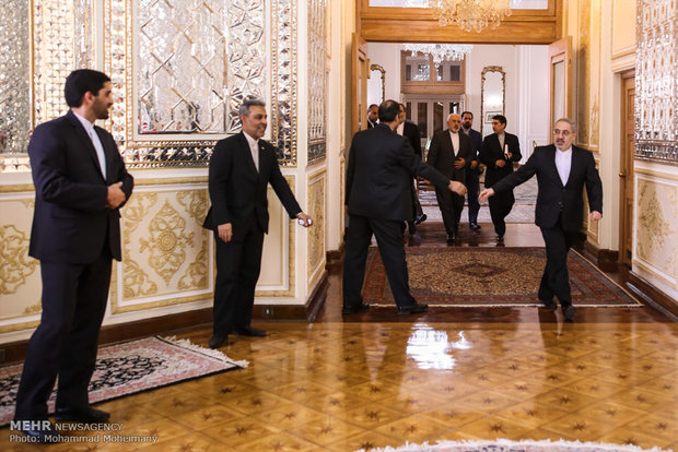 Zarif meets with Turkish FM