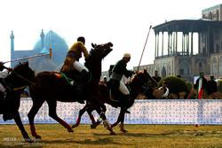 """مسابقة """"البولو""""  في ساحة الامام في اصفهان"""