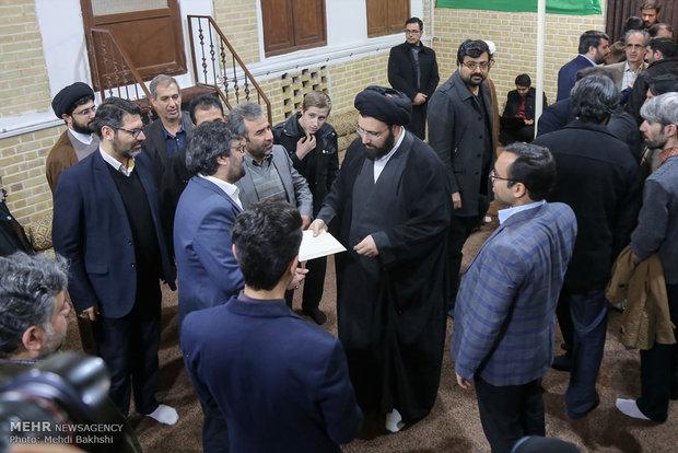 لقاء صحفيي قم مع حجة الاسلام السيد علي الخميني