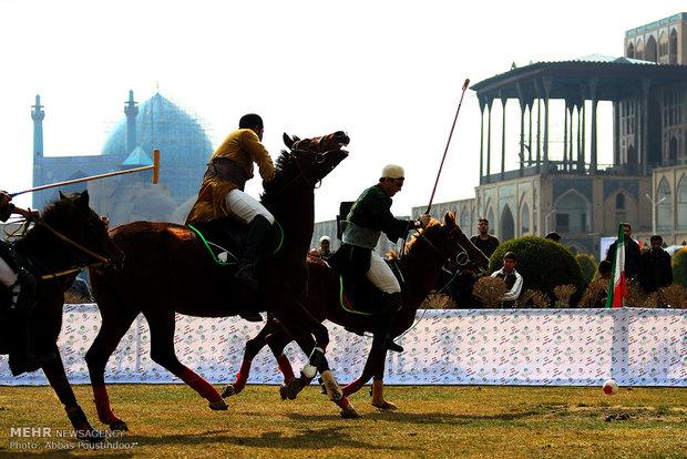 مسابقات عرض الخيول في اصفهان
