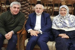 'Damascus Time' fills Zarif's eyes with tears