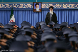 Air Force commanders meet with Ayatollah Khamenei