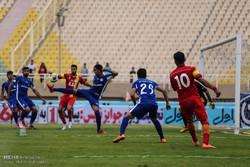 برتری استقلال خوزستان برابر خونه به خونه در نیمه اول