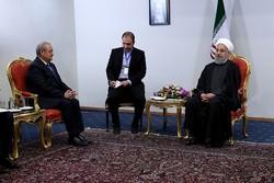 روحاني يصف العلاقات مع أوزبكستان بالتاريخية والأخوية