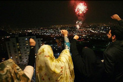"""صوت """"الله أكبر"""" يدوّي في مختلف أنحاء إيران"""
